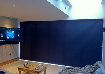 Extra Large Privacy Blind 4